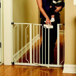 Baby Gate Guru The Best Baby Gates For A Safe Home In 2017
