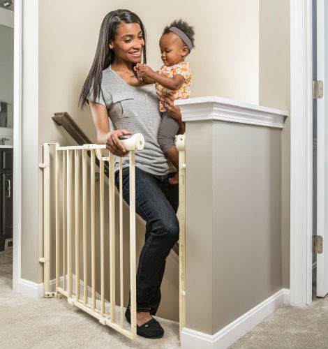 Evenflo Easy WalkThru Baby Gate For Top Of Stairs 2