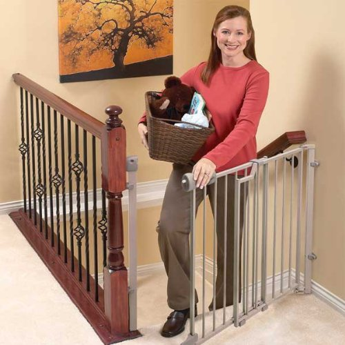 comparing the best baby gates for stairs top and bottom baby gate guru. Black Bedroom Furniture Sets. Home Design Ideas