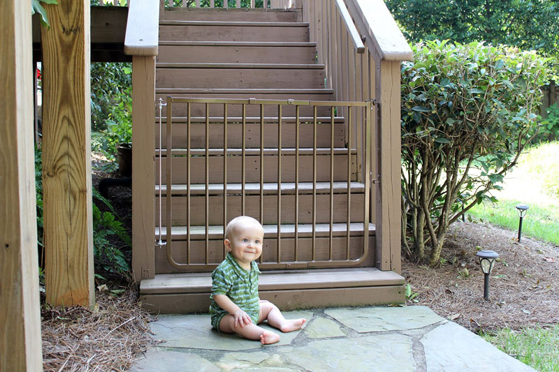Cardinal Gates Outdoor Child Safety Gate - Outdoor Baby Gates