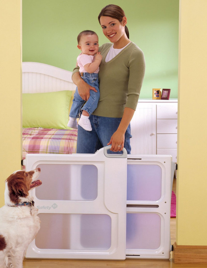 safety-first-plastic-baby-gate