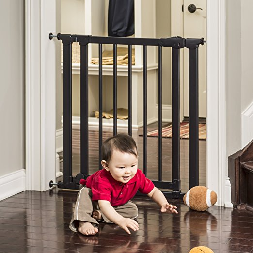 Evenflo Baby Gate - Embrace Wood and Metal Gate